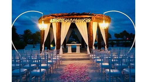 Destination Weddings Specialist
