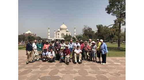 Cruise Specialists clients at the Taj Mahal