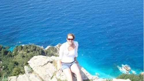 Hiking along the cliffs in Marseille
