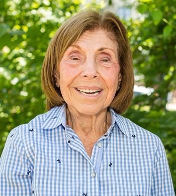 Image of Ellie Tannenbaum