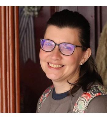 Image of Kelli Dunt
