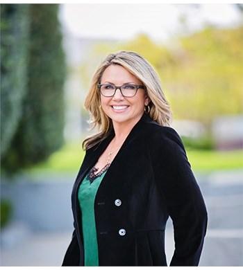 Image of Tiffany Bowne