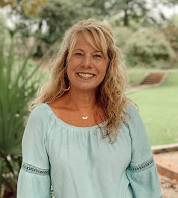 Image of Debbie Bartow