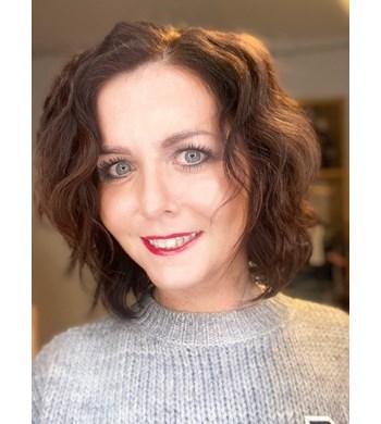 London, UK Luxury Sales Consultant  Eva Kokoszynska