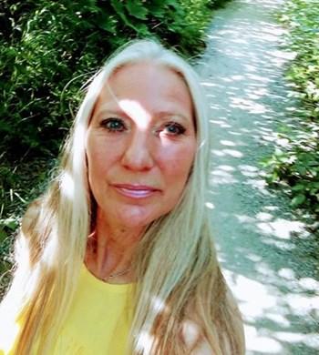 Image of Karen Dillard