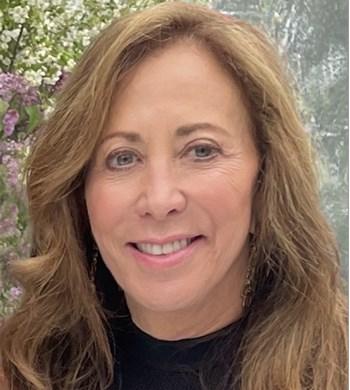 Image of Leslie Tillem