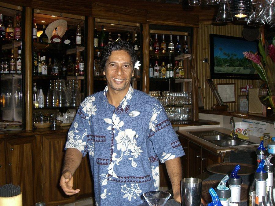 Heimoana, Bartender in Bora Bora