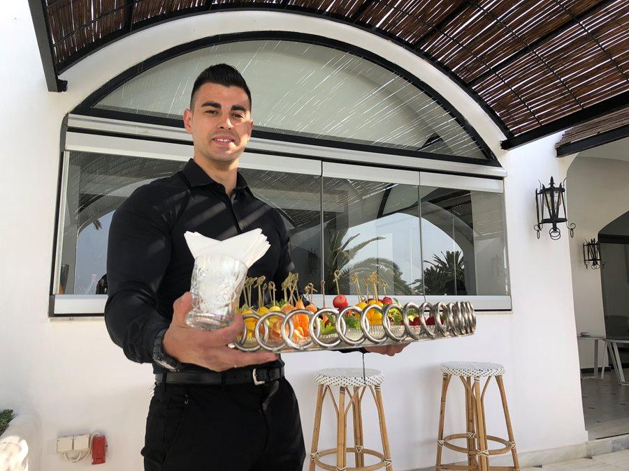 Waiter a Caramel Grecotel