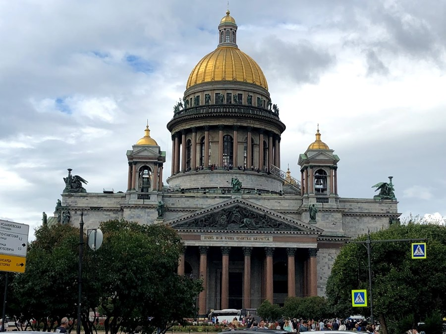 St. Isaac's Cathedral in St. Petersburg, Russa..