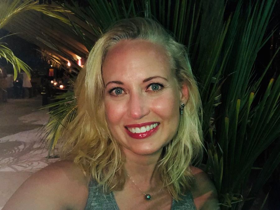 Travel makes you happy. Especially in Bora Bora!