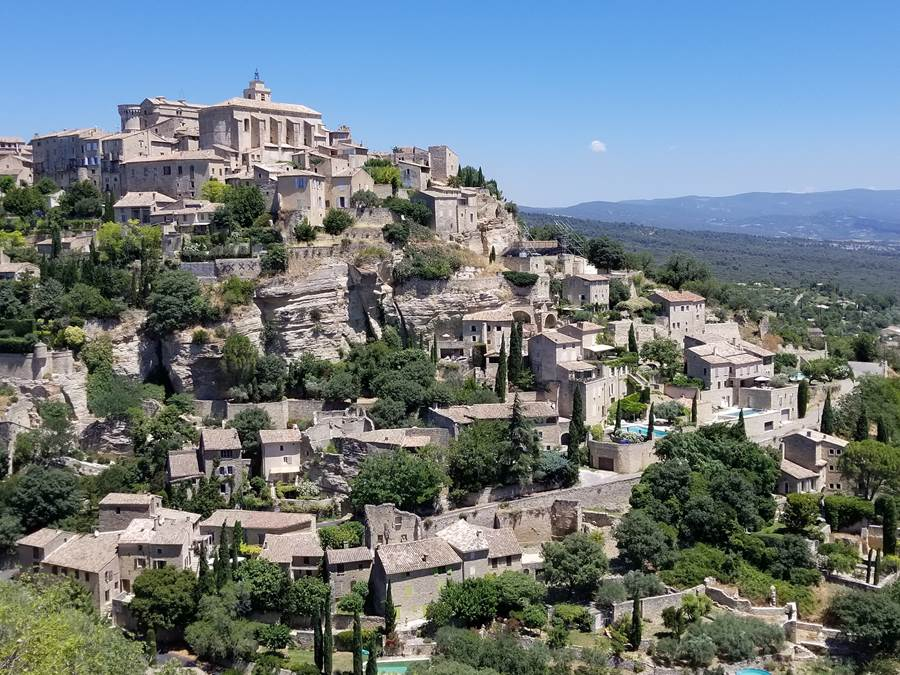 Gordes, perched village in Provence