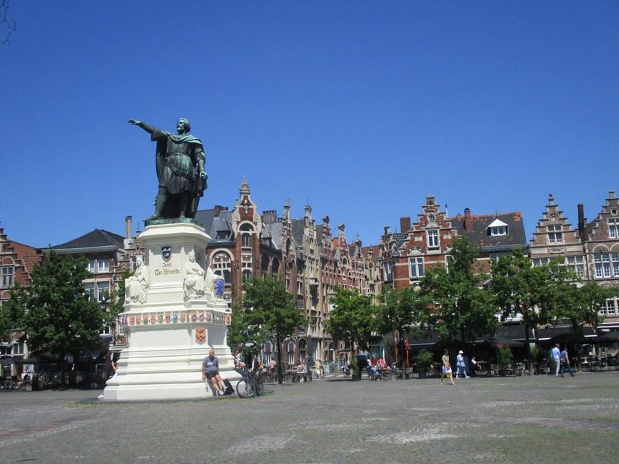 Vrijdagmarkt Square - Ghent