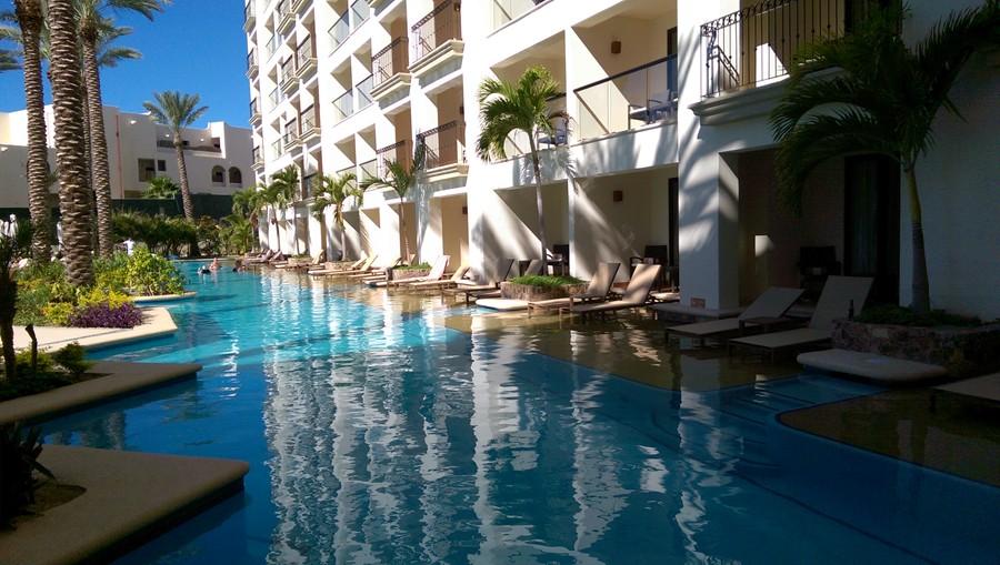 Swim up rooms :)