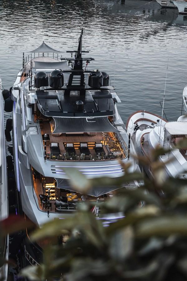 Megayacht hosting 12-16 ppl