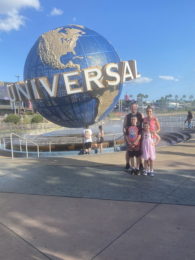The Universal Globe is a huge icon