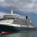 Cunard's Queen Elizabeth in the Canary Islands