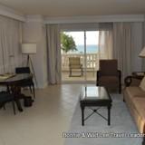 Living area of the 1 bedroom oceanfront