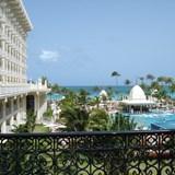Beautiful Riu Palace resort and amenities.