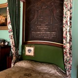 The bed where Queen Victoria died in 1901.