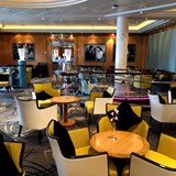 The beautiful Champagne Bar on Queen Mary 2