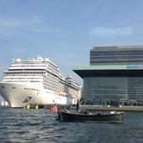 Cruise ships dock close to main attractions.