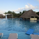 One of the two pool bars at Valentin Imperial!
