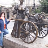 "Dublin--Molly Malone ""the tart with the cart"""