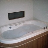 A nice jetted tub to relax in