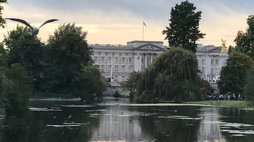 Iconic Buckingham Palace in London