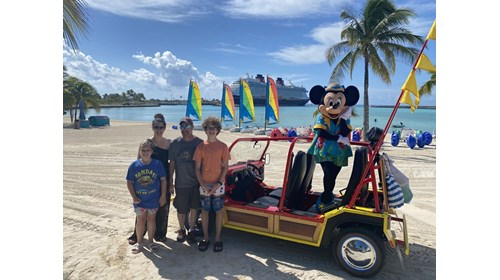 Family vacation to visit Mickey!
