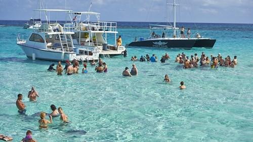 Stingray City Sand Bar in Grand Cayman